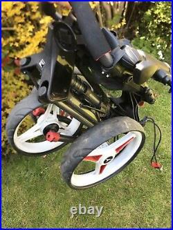 Motocaddy Cube 3 Wheel Golf Push Cart Trolley Super Compact + umbrella holder